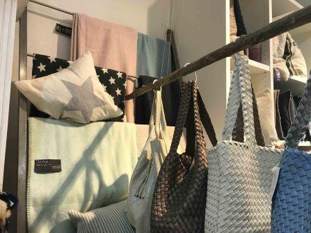 Decken und Taschen